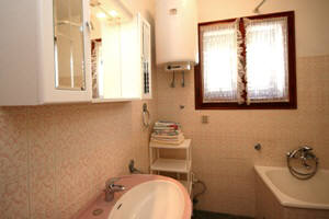 Apartment 21 - bathroom - Baska - Krk - Croatia